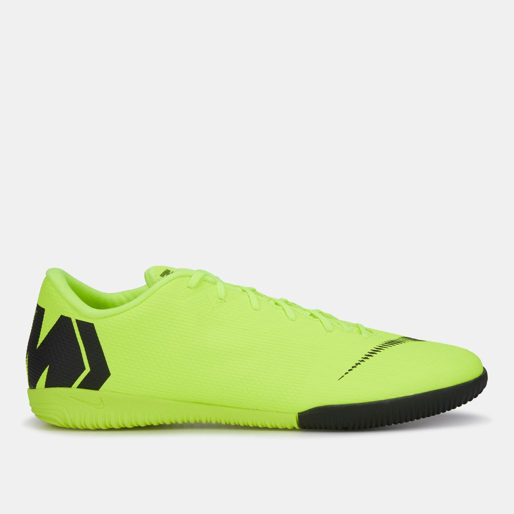 Nike MercurialX Vapor 12 Academy Indoor/Court Football Shoe