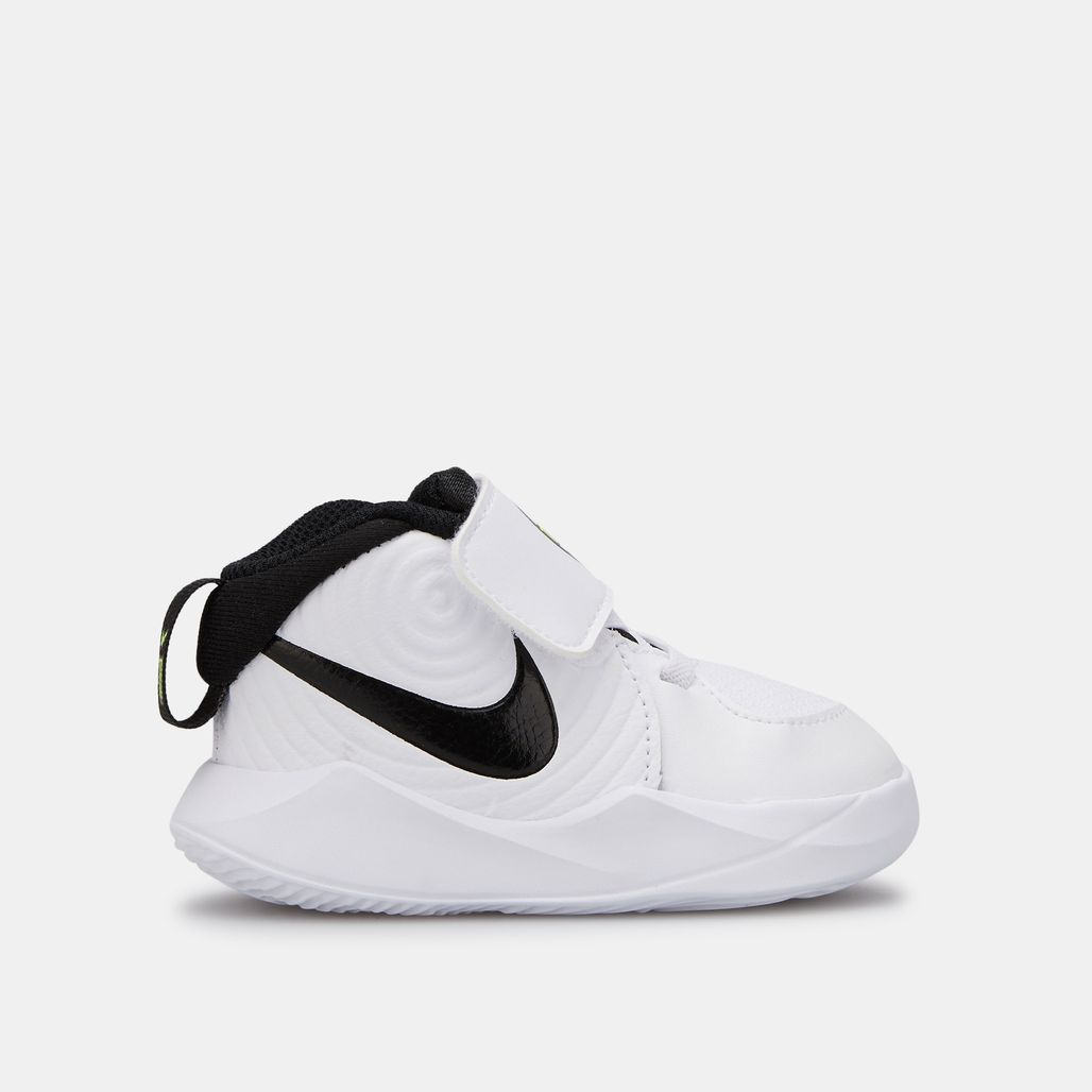 Nike Kids' Team Hustle D9 Shoe (Baby and Toddler)