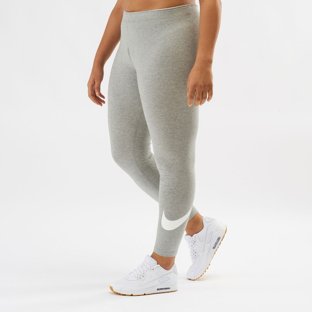 Nike Sportswear Club Logo Leggings (Plus Size)