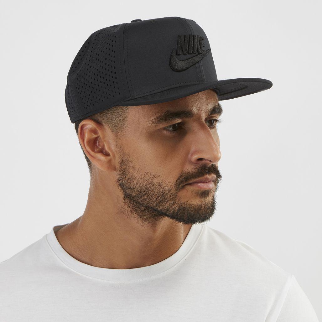 Nike Sportswear Pro Tech Cap - Black