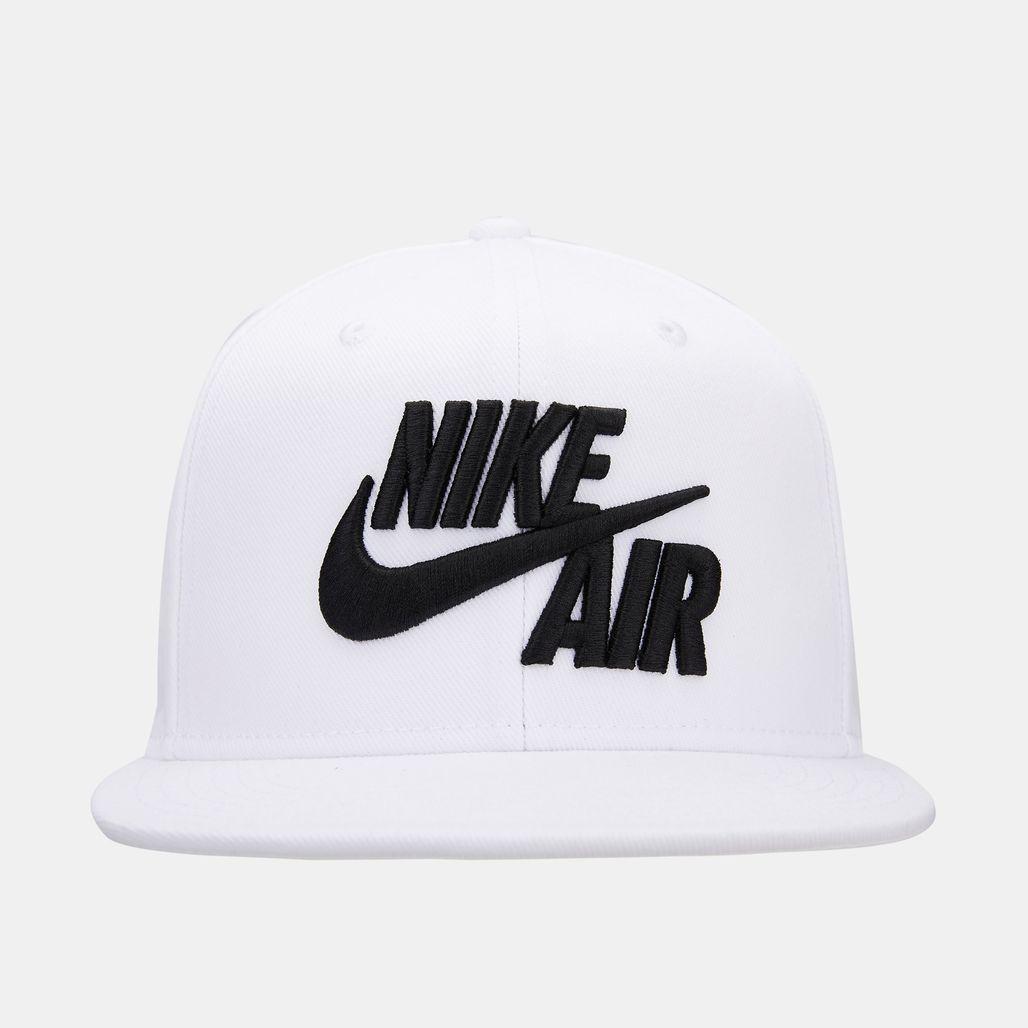 قبعة برو اير 5 من نايك للاطفال الكبار - أبيض