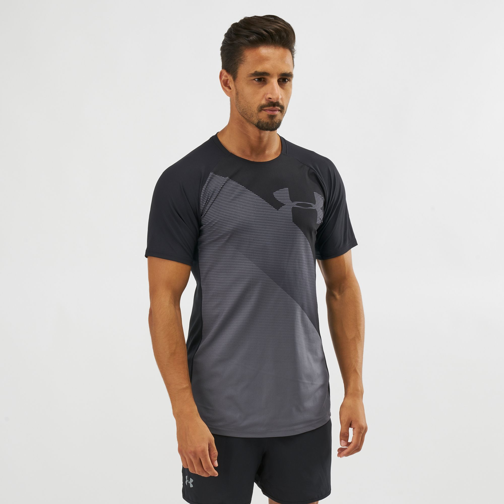 Shop Black Under Armour Vanish T-Shirt  2572b3ef4e