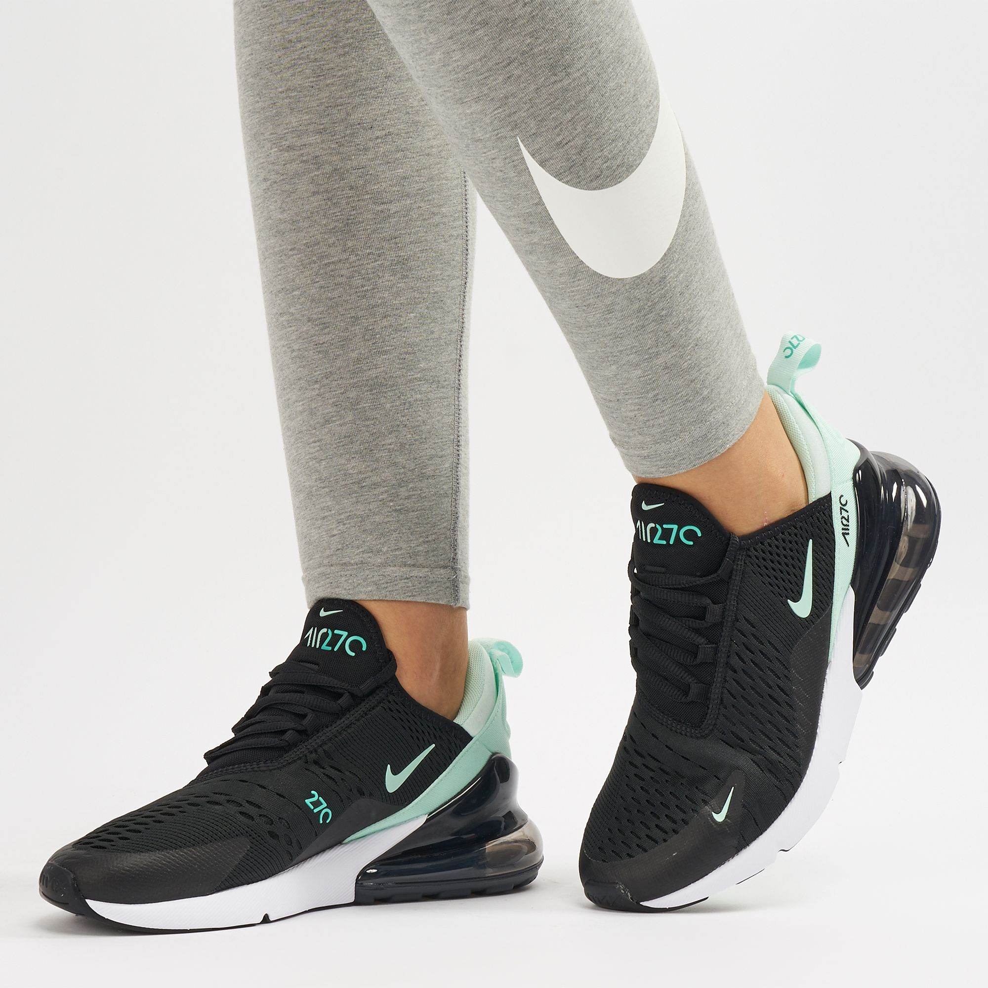 f3a973461 حذاء اير ماكس 270 من نايك   احذية سنيكرز للنساء   تخفيضات الاحذية ...