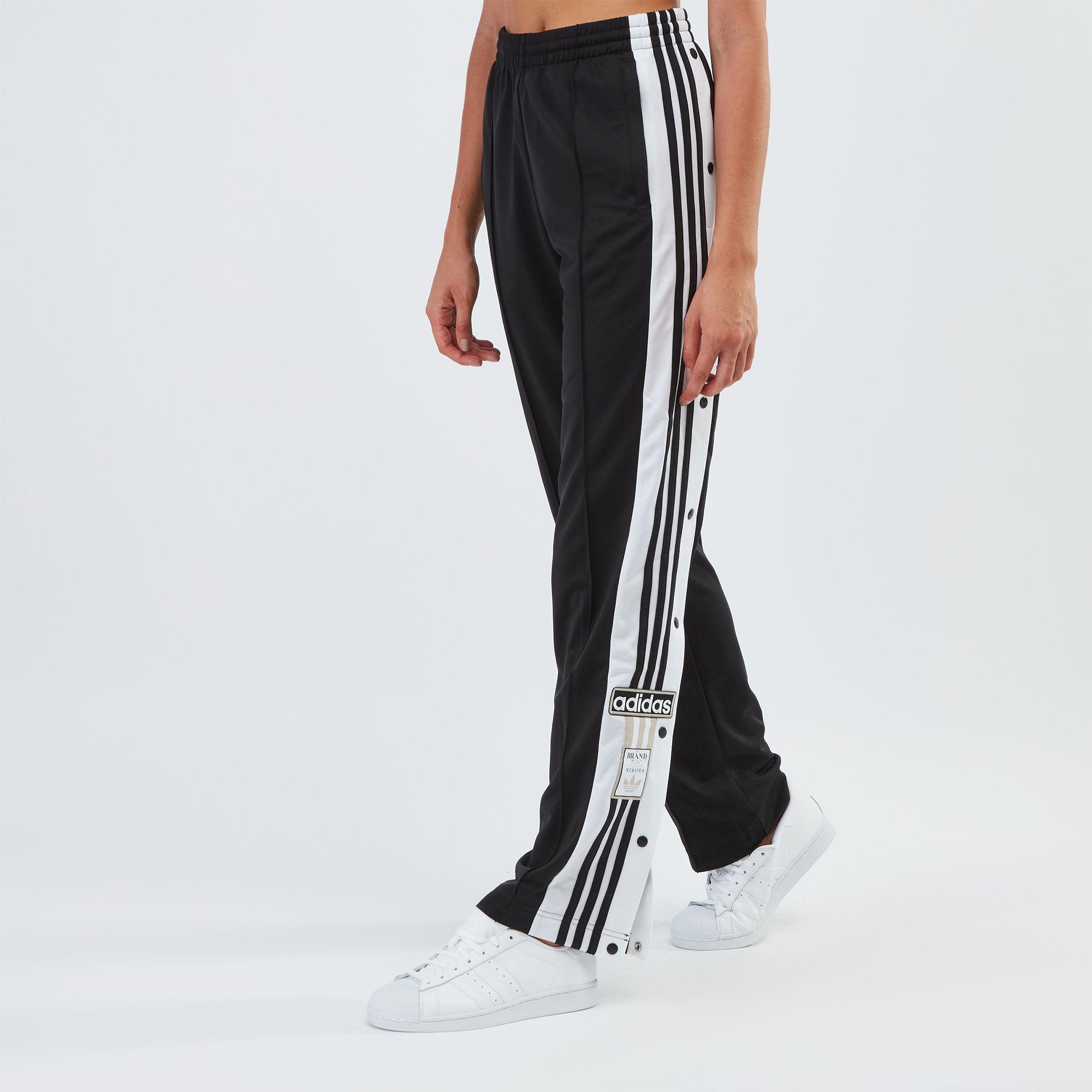 Adidas originali adibreak pantaloncini addosso i pantaloni della tuta