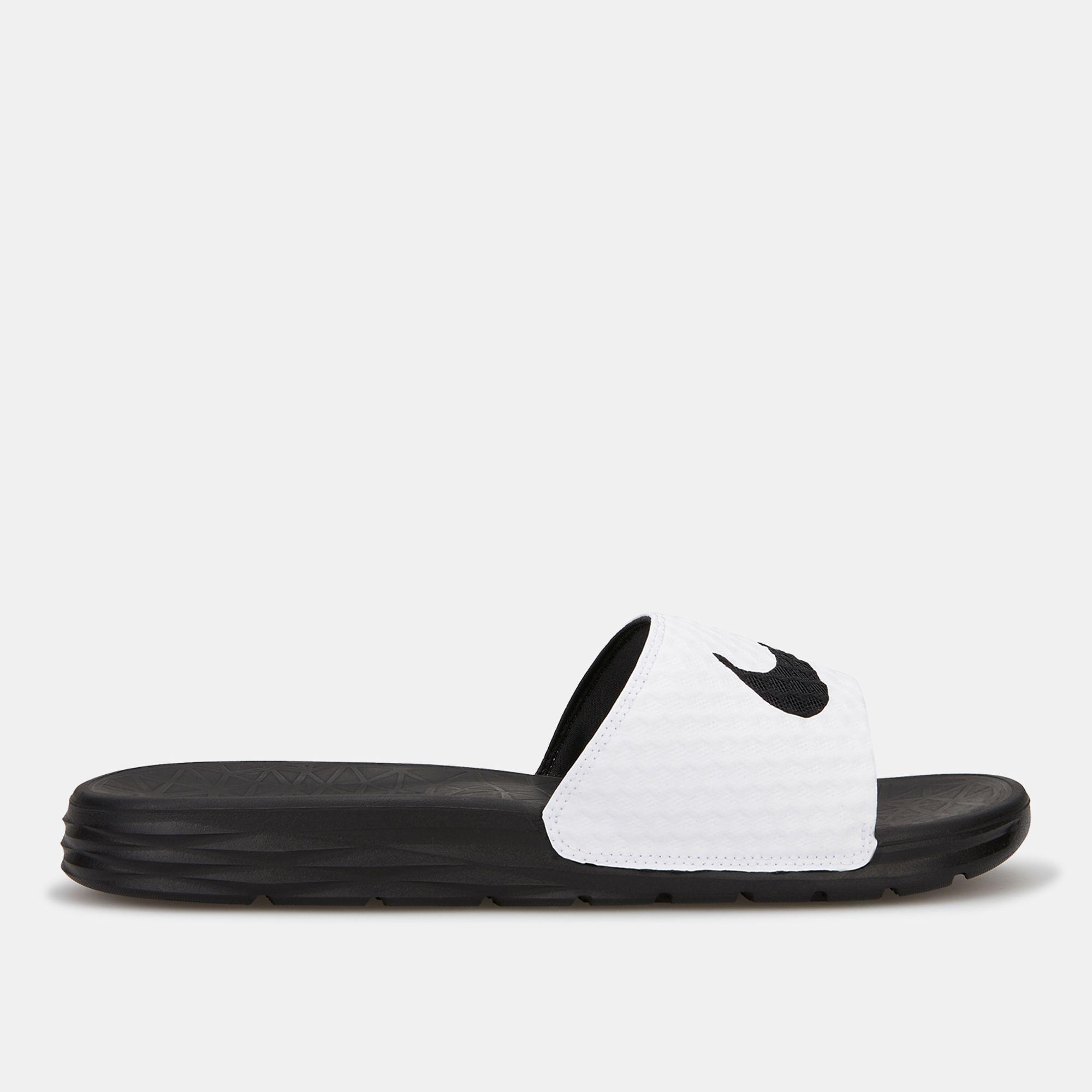 best service 76050 5b571 Nike Men s Benassi Solarsoft 2 Slides   Slides   Sandals   Flip ...