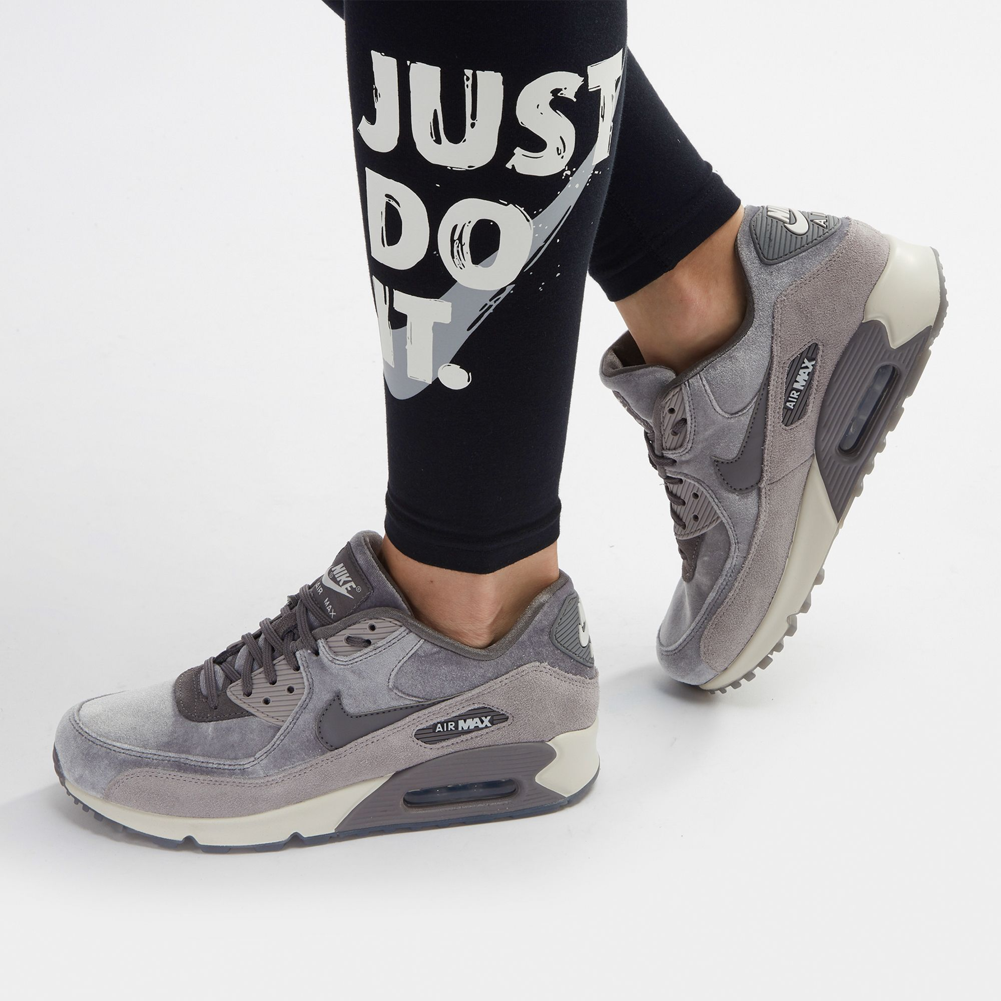 best service c140d a1d84 ... france low cost nike air max 90 lx velvet shoe 41b66 c9320 e0ad3 02d9c