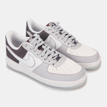 Nike Men's Air Force 1 '07 LV8 Shoe