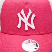 New Era Women's MLB New York Yankees League Essential 9FORTY Trucker Cap - Purple, 1669390