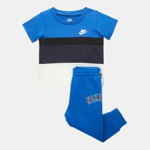 Nike Kids' Air T-Shirt and Jogger Set (Baby and Toddler)