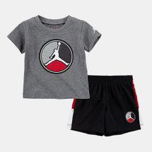 Jordan Kids' AJ8 front Circle T-Shirt and Shorts Set (Baby and Toddler)