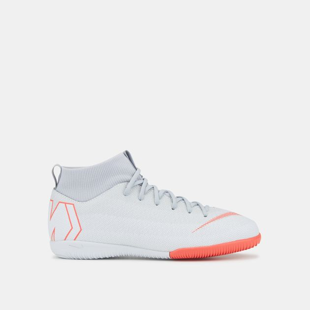 on sale 25172 71ac9 Nike Kids' MercurialX Superfly VI Academy Indoor/Court Football Shoe (Older  Kids)