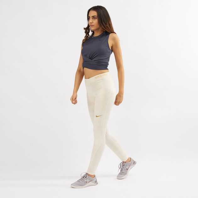bfc0f53aa44214 Nike Dry Cropped Twist Tank Top