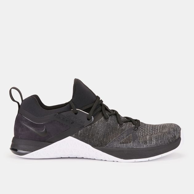 eeb09ea8b حذاء ميتكون فلاينت 3 من نايك | احذية رياضية للرجال | تخفيضات الاحذية ...