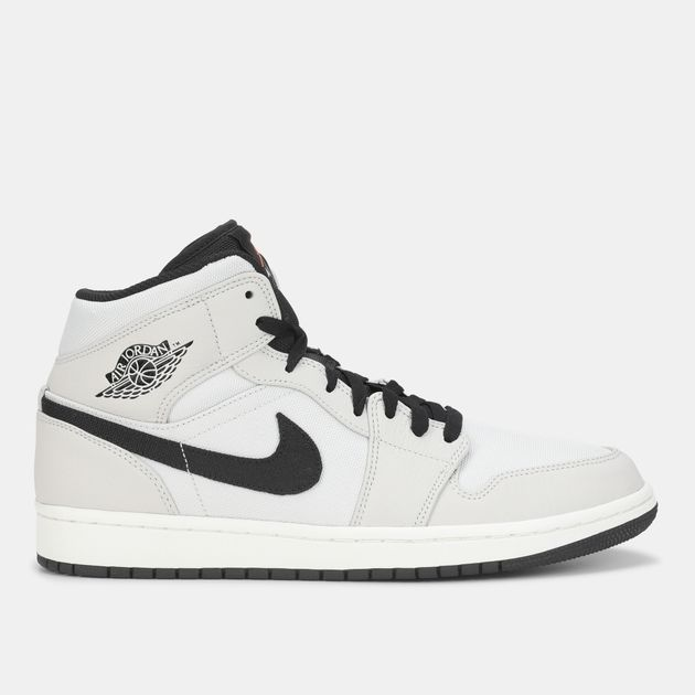 Jordan Air Jordan 1 Mid SE Shoe  130440e8842