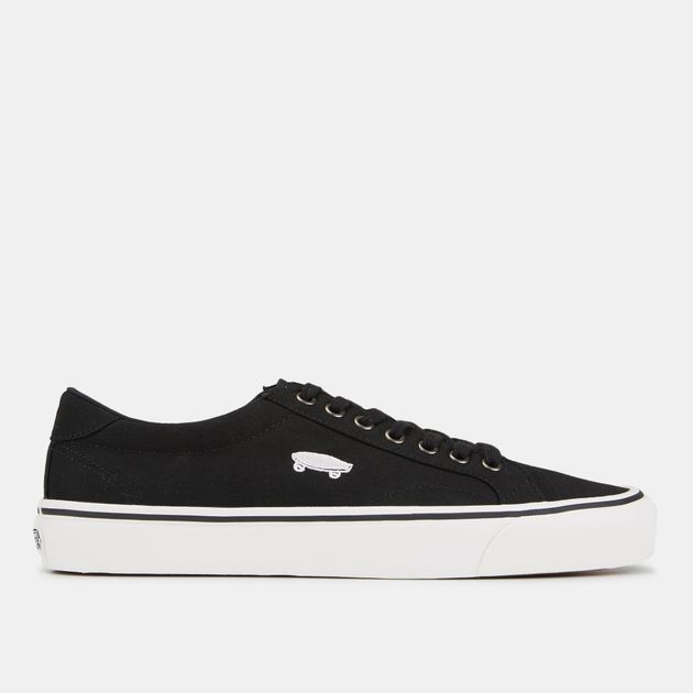 vans court shoes