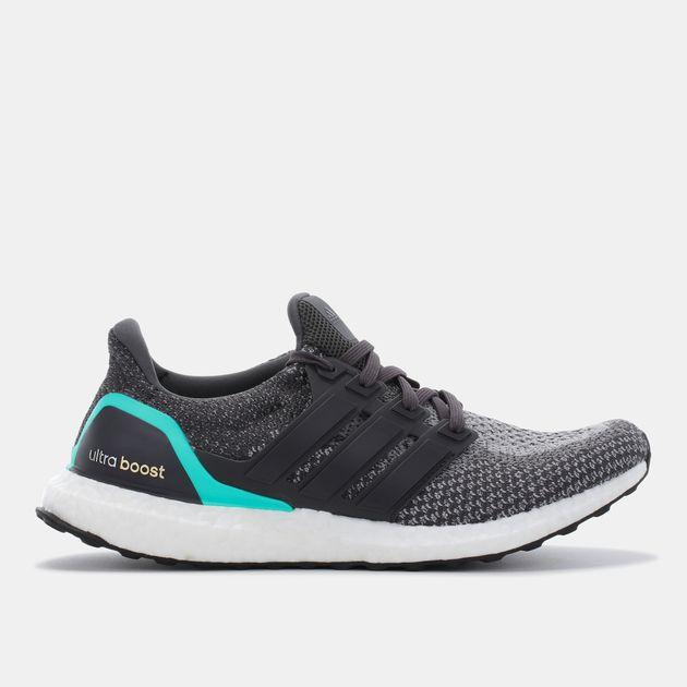 9579c0824 تسوق الحذاء الرياضي ألترا بوست من اديداس للرجال لون رمادي | سن أند ...