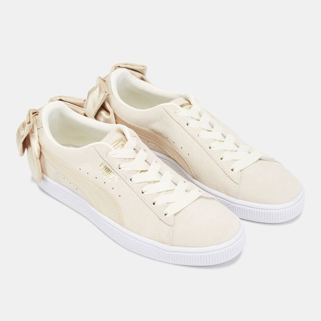 white puma shoes with ribbon laces
