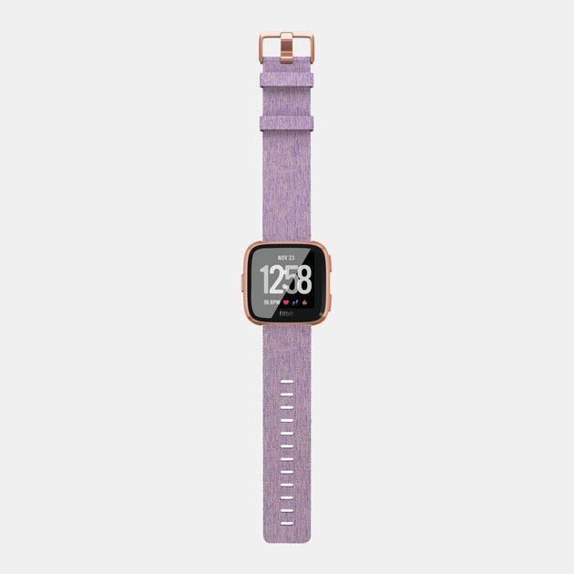 44946b0a6 ساعة فيرسا الرياضية الذكية بحزام محبوك لون لافندر (إصدار خاص) من فيتبيت -  بنفسجي