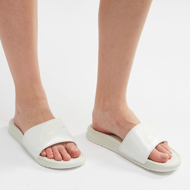 the latest 075d5 15705 Nike Benassi Metallic QS Just Do It Slide Sandals, 1077786