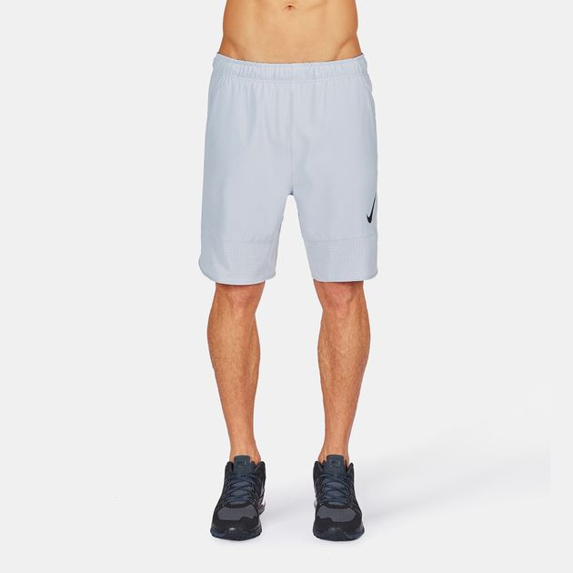 "Nike Flow Woven 8"" Shorts"