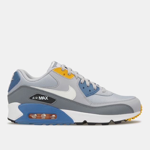 1563fabdffc1b Nike Men's Air Max 90 Essential Shoe