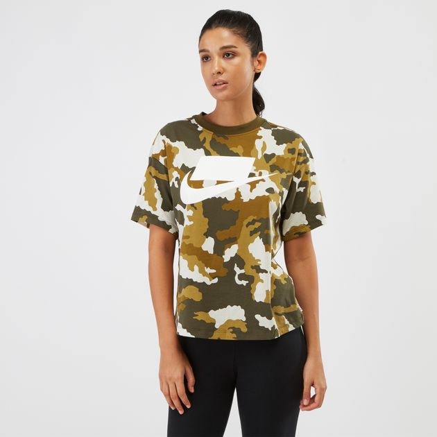 Nike Sportswear Graphics Top