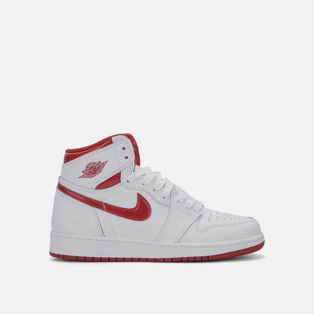 san francisco 323cd 03dd0 Nike Kids  Air Jordan 1 Retro High-Top Basketball Shoe (Older Kids)