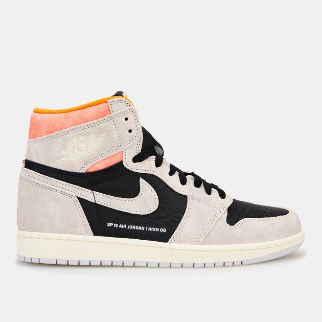 f067e5c12d69 Jordan Men s Air Jordan 1 Retro High OG Shoe