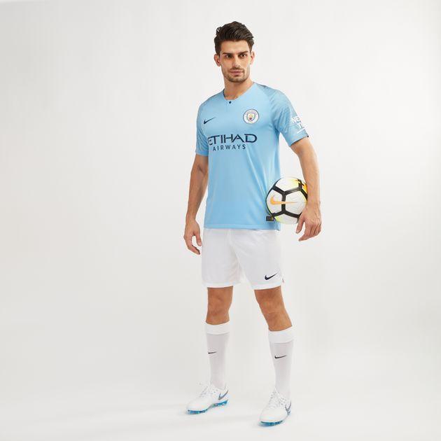 1c5809053 قميص كرة القدم الأساسي لفريق مانشستر سيتي 2018 من نايك | قمصان ...