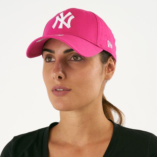 6b9fd122 New Era Women's MLB New York Yankees 9FORTY Fashion Essential Cap