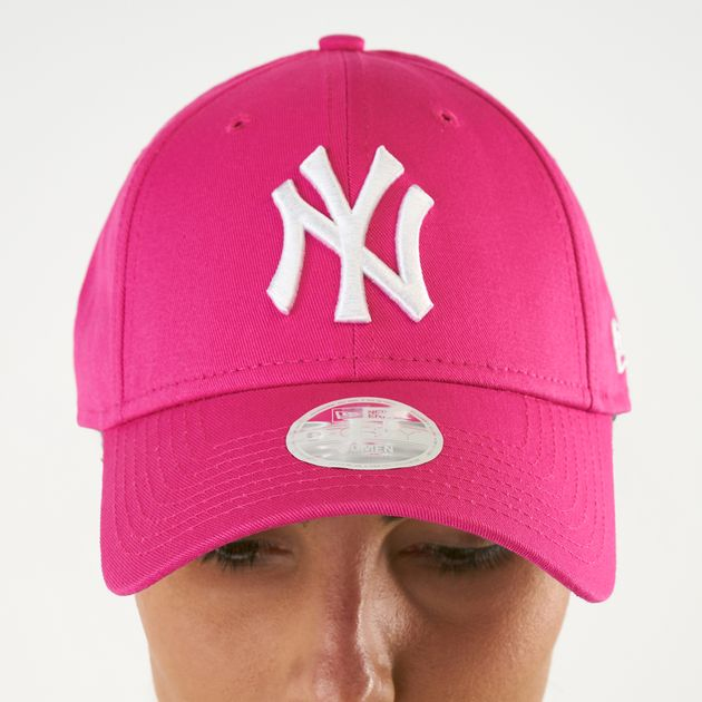 a9db9b74b New Era Women's MLB New York Yankees 9FORTY Fashion Essential Cap