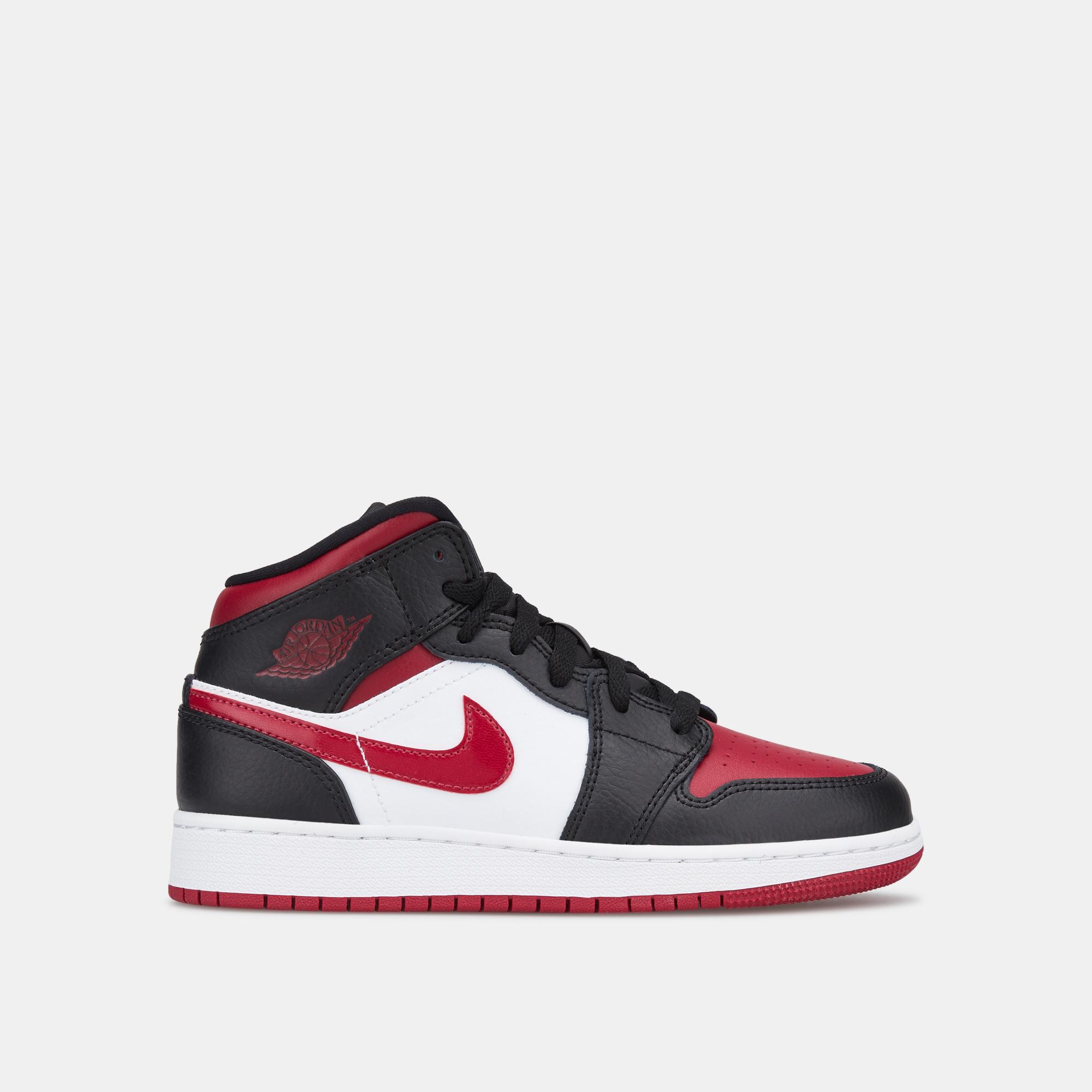 per tutta la famiglia acquista per ufficiale presa all'ingrosso Jordan Kids' Air Jordan 1 Mid Shoe (Older Kids) | Basketball Shoes ...