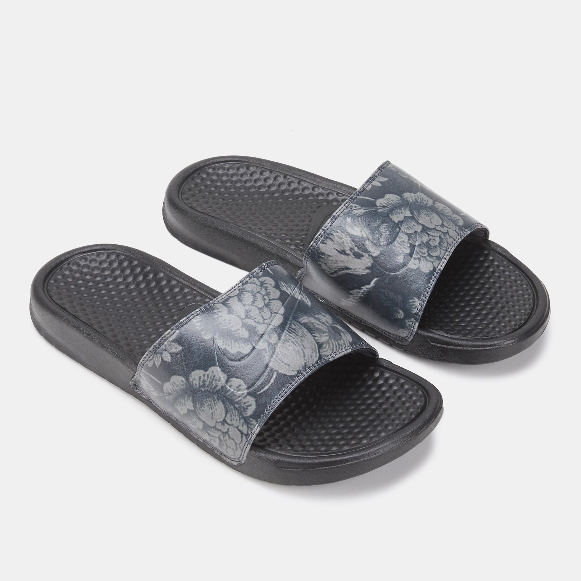 the latest dca06 98cea Nike Women s Benassi JDI Print Slides   Slides   Sandals and Flip ...